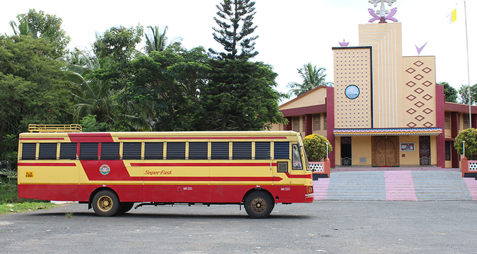 ksrtc buses at perikkalloor church